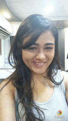 South Indian Actress, Beautiful Indian Actress, Bengali Bridal Makeup, Couple Photoshoot Poses, Malayalam Actress, Tamil Actress Photos, Indian Celebrities, Beautiful Smile, Indian Beauty