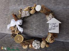 Kopogtató  vad komló vesszőből és még sok mindenből. (belladekor) - Meska.hu Grapevine Wreath, Grape Vines, Wreaths, Home Decor, Decoration Home, Door Wreaths, Room Decor, Vineyard Vines, Deco Mesh Wreaths