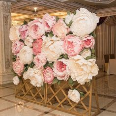 Wedding arch flowers diy bridal shower 40 Ideas for 2019 Paper Flower Wall, Paper Flower Backdrop, Giant Paper Flowers, Paper Roses, Diy Flowers, Deco Rose, Arch Decoration, Wedding Arch Flowers, Wedding Reception Decorations