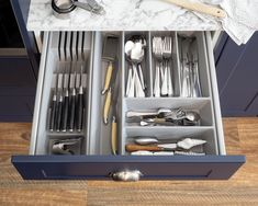 Get your drawers in order! Our cutlery inserts are perfect if you want to keep your drawers neat and tidy! You can mix and match these to maximise space in your drawers, here we have used our cutlery insert and knife insert! . . . #kaboodle #kaboodlekitchen #cutleryinsert #storage #savvydesign #organisation Diy Kitchen, Kitchen Design, Two Tone Kitchen, Blue Crush, Maximize Space, Neat And Tidy, Splashback, Base Cabinets, Can Design