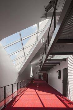 Gallery - Le Cristal Cinema and Michel Crespin Square / Linéaire A - 11