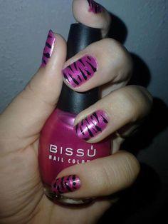 """Kenia Vazquez de Ballesteros nos brinda a todas las chicas Bissú este consejo: """"Solo usa tu creatividad, combínala con Bissú y obtendrás unas uñas hermosas"""""""