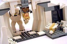 LEGO Star Wars.  Luke and Wampa ice creature on Hoth.
