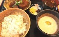 愛知県にある道の駅 藤川宿へ行ってきました 岡崎市の中心地から国道号沿いに下ったところにある便利な道の駅です なにが便利かと言うとここの産直や軽食コーナー時間営業の売店を併設しているんです 藤川の特産品むらさき麦を使ったごはんむらさき麦とろご飯がここのおすすめらしく早速食べてみました  麦飯にとろろ八丁味噌をつかったおかずの定食です お味噌汁もおいしいしとっても体によい昼食となりました  とろろが名物なだけあってめちゃくちゃおいしかったです おすすめですよぜひ食べてみて下さい tags[愛知県]