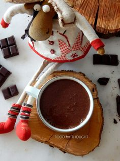 Food for thought: Ζεστή σοκολάτα με κόκκινο κρασί Chocolate Fondue, Hot Chocolate, Red Wine, Baking, Drinks, Desserts, Christmas, Food, Drinking