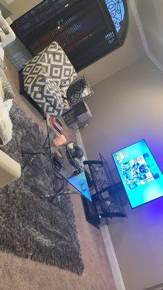 Decor Home Living Room, Home And Living, Living Room Designs, Living Spaces, Home Decor, Cute Bedroom Decor, Room Ideas Bedroom, Home Bedroom, Apartment Checklist
