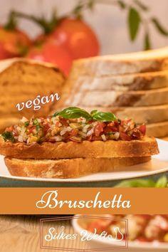 Der italienische 🇮🇹 Klassiker ist wirklich schnell gemacht und eine perfekte Vorspeise oder auch als einen Teil für Antipasti gedacht. Gerade jetzt, wo die Tomatenerntezeit da ist. Etwas frischer Basilikum dazu und die Bruschetta ist fertig. Die Zutaten hast du bestimmt Zuhause. Schau Dir das Rszept an. #silkewelt #Bruschetta #Tomatenrezept Bruschetta, Foodblogger, Fabulous Foods, International Recipes, Creative Food, Diy Food, Germany, Vegan, Ethnic Recipes