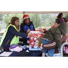 CEMEX México llevó a cabo su programa de voluntariado Manos a la Obra donde más de 2,200 colaboradores cumplieron el sueño navideño de 4,600 niños, jóvenes y ancianos de escasos recursos.