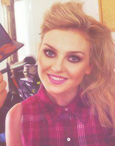 god, she's sooo beautiful!