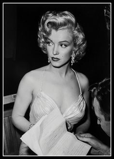 View Marilyn Monroe, Childrens Benefit at Shrine Auditorium, Los Angeles by Phil Stern on artnet. Browse upcoming and past auction lots by Phil Stern. Hollywood Glamour, Classic Hollywood, Old Hollywood, Divas, Arte Marilyn Monroe, Marilyn Monroe Style, Cinema Tv, Robert Mapplethorpe, Annie Leibovitz