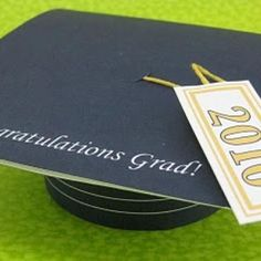 Graduation Cap GIft Card Holder {Paper Crafts}