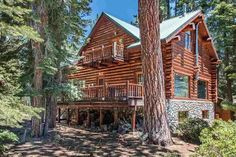 Log Cabin Paradise Forest Views 1 mile to Lake - Cabins for Rent in Tahoe Vista, California, United States Lake Tahoe Nv, Tahoe Vista, Cottages By The Sea, Cabins And Cottages, Small Country Homes, Forest View, Cottage Exterior, Lake Cabins, Log Cabin Homes