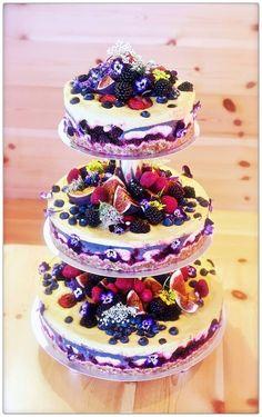 beautiful weding RAW cake