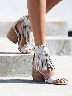 Bant Topuklu ayakkabılar