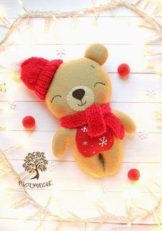 DIY Easy beautiful magical roses from satin fabric Felt Diy, Handmade Felt, Felt Crafts, Diy And Crafts, Christmas Sewing, Christmas Crafts, Diy Leather Wallet Pattern, Bear Felt, Felt Snowman