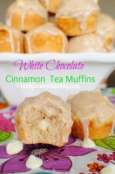 Glazed White Chocolate Cinnamon Muffins - These are heavenly!  #brunch #breakfast #muffins
