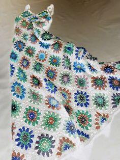 omⒶ KOPPA: Värivariaatioita - pitkä kukkamandalamekko