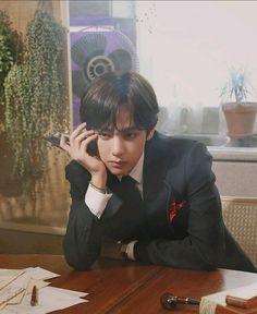Fear (Kim Taehyung ff) Jimin, Bts Bangtan Boy, Foto Bts, Seokjin, Namjoon, K Pop, V Bts Wallpaper, Kim Taehyung, Bts Lockscreen