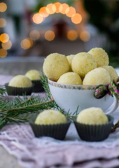 White chocolate truffles with lime. White Chocolate Truffles, Holiday Baking, Cake Recipes, Caramel, Cheesecake, Lime, Food And Drink, Sweets, Snacks