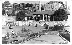 benzerleriİstanbul, Üsküdar – 1970'lerİstanbul, Üsküdar – 1965İstanbul, Üsküdar Salacak – 1976Bostancı Camii – 1930'larTaksim Meydanı – 1939Kadıköy, Kurbağalıdere – 1930'lar