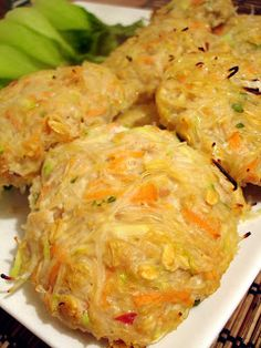 Smell & Taste are my memory: Thai Chicken Rissoles Chicken Rissoles, Thai Chicken, Chicken Recipes, Food And Drink, Beef, Asian, Dishes, Chicken Breasts, Cooking