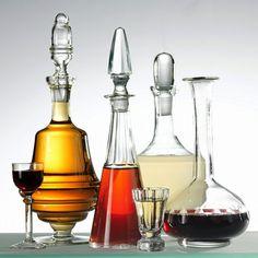 Nalewki pije się w małych ilościach, 50 ml dziennie. Te gorzkawe, ziołowe - najlepiej przed obiadem czy kolacją