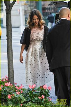 5368436f6fc5 Jessica Alba Opens Up The Honest Company Ultra Clean Room in NYC! Jessica  Alba Honest