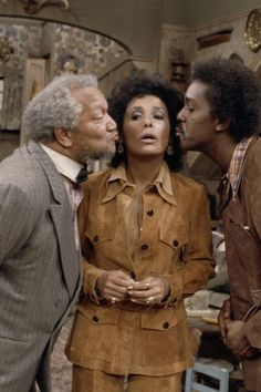 Visit from Lena Horne' Episode 16 Aired 1/12/73 Pictured Redd Foxx as Fred G Sanford Lena Horne as Herself Demond Wilson as Lamont Sanford Photo by...