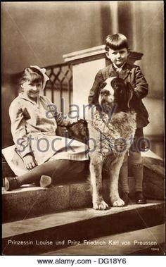 Ak Prinzessin Louise und Prinz Friedrich Karl von Preußen mit Bernhardiner; - Stock Image
