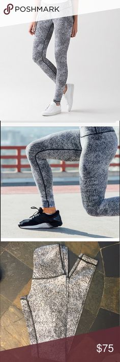 Lululemon Wunder Under legging Wunder under spray jacquard tight. Soft stretchy Luon fabric, high rise. Lightly worn and in great shape! Make offer using offer button! 😚😚😚👍🏻👍🏻👍🏻👍🏻 lululemon athletica Pants Leggings