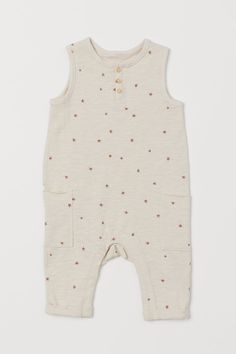 World Of Fashion, Kids Fashion, Romper Suit, Coton Bio, Unisex Baby, Fashion Company, Overall Shorts, Organic Cotton, What To Wear