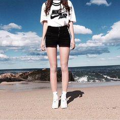 _ 오늘의 패피녀로 선정된 @yoonjin0301 님 축하드립니다 _ 김윤진 / 20세 / 168cm 상의 #나이키 신발 #나이키 _ 패션피플에 도전해주세요~ @fashionpeople_korea 를 팔로우 하시고 성함/나이/키/착용중인상품정보 다이렉트메세지로 사진(전신사진만가능)과함께 보내주세요. 패피를 선정하여 한달에 세분께 fashionpeople_korea 공식 협찬사 @nnw_official 에서 #네버나이브웨이즈 상품을 보내드립니다. (매달 마지막날 발표) _