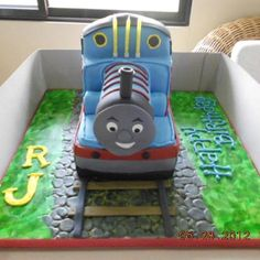 Thomas the train cake! ;)