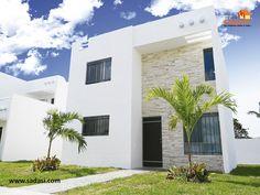 #conjuntoshabitacionales LAS MEJORES CASAS DE MÉXICO. Nuestro prototipo de vivienda Mérida Plus, tiene 160 m2 de terreno por 140.73 m2 de construcción y está acondicionado con sala a doble altura, comedor, cocina, desayunador de granito, 3 recámaras, 3 baños, protectores, mosquiteros y patio de servicio. En Grupo Sadasi, le invitamos a comprar su casa en nuestros desarrollos de Yucatán. jperez@sadasi.com