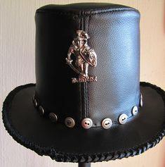 Gothic Men, Cowboy Hats, Menswear, Clothing, How To Wear, Fashion, Goth Men, Outfits, Moda