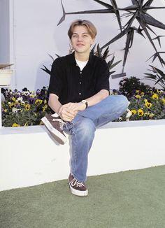 Fashionable 90s Leo.