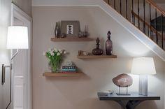 Calming Eclectic - Beckwith Interiors Designer: Deidre Glore #beckwithinteriors #livingroom #interiordesign Photographer: Chip Pankey