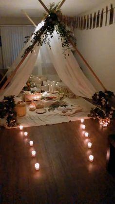 Wedding Night Room Decorations, Romantic Room Decoration, Birthday Decorations At Home, Anniversary Decorations, Diy Party Decorations, Romantic Home Dates, Romantic Date Night Ideas, Romantic Dinners, Romantic Room Surprise