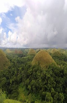 The Chocolate Hills are a very strange geological formation with more than 1000 cone-shaped hills. How to get to the Chocolate Hills Chocolate Hills, Bohol Philippines, Cheap Web Hosting, Country Roads, World, Nature, Viajes, Naturaleza, The World