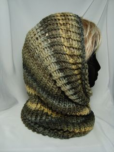 Loom Knitted  Women's Cowl Hoodie by 3BlueDogsAndMe on Etsy, $15.00 Loom Knitting Scarf, Loom Scarf, Loom Knit Hat, Knifty Knitter, Loom Knitting Projects, Loom Knitting Patterns, Knit Hats, Loom Crochet, Crochet Hats