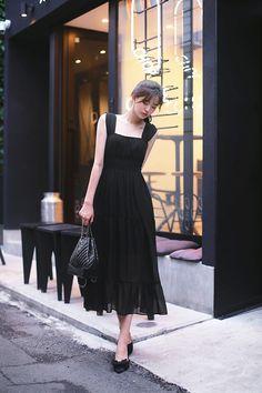 Modest Dresses, Pretty Dresses, Girls Dresses, Modern Fashion, Asian Fashion, Fashion Design, How To Look Classy, Beautiful Asian Girls, Dress Me Up