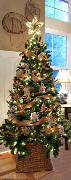 Christmas Tree ● Woodland For more inspirations please visit: http://homedecorideas.eu/ #christmasdecor #christmasideas #luxuryhomes