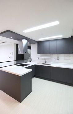 60 Gorgeous Black Kitchen Ideas for Every Decorating Style Modern Kitchen Interiors, Modern Kitchen Cabinets, Modern Farmhouse Kitchens, Black Kitchens, Luxury Kitchens, Home Kitchens, Kitchen Room Design, Luxury Kitchen Design, Home Decor Kitchen