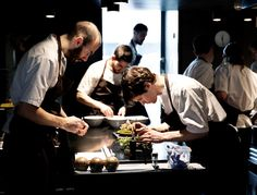 Nhà hàng tuyệt nhất thế giới - Noma, Đan Mạch: Bốn lần nhận danh hiệu nhà hàng tuyệt nhất trong 6 năm qua, nhà hàng Noma phục vụ những món ăn thuần chất mà đầy sáng tạo của ẩm thực Bắc Âu. Ảnh: Japantimes.