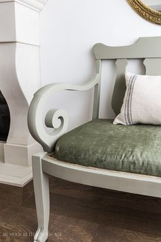 Settee Makeover - How to Upholster a Bench Seat/green settee - So Much Better With Age Chalk Paint Chairs, Painted Chairs, Paint Furniture, Upholstered Bench Seat, How To Patch Drywall, Green Velvet Fabric, Diy Bathtub, Settee, Interior Designing