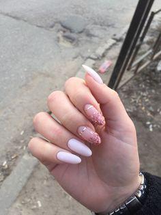 Pin by Lisa Firle on Nageldesign - Nail Art - Nagellack - Nail Polish - Nailart - Nails Rose Gold Nails, Pink Nails, Gel Nails, Nail Polish, Gold Polish, Yellow Nails, Cute Acrylic Nails, Cute Nails, Pretty Nails