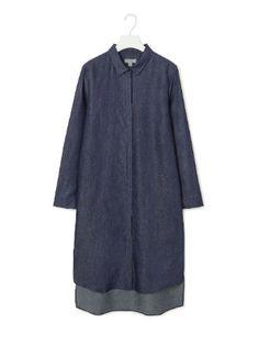 Robe-chemise en jean de COS : Femme puriste cherche look minimaliste - Journal des Femmes