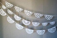 Crochet buntings kaksneljaseitteman.blogspot.fi