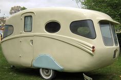 1956 - seriously, why can't they make cool shaped trailers anymore? That baby has shwoop.Willerby 1956 - seriously, why can't they make cool shaped trailers anymore? That baby has shwoop. Camping Vintage, Vintage Rv, Vintage Caravans, Vintage Travel Trailers, Vw Bus, Volkswagen, Old Campers, Retro Campers, Vintage Campers
