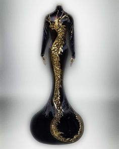Travis Banton (American 1894-1958). Evening dress, 1934. Brooklyn Museum Costume Collection at The Metropolitan Museum of Art, New York. Gift of the Brooklyn Museum, 2009; Gift of Anna May Wong, 1956 (2009.300.1507) #ChinaLookingGlass #AsianArt100